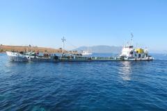 Der Wassertanker kommt vom Festland