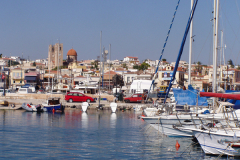 """In der """"Marina"""" liegen viele Boote"""