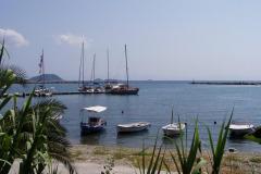 Der Steg im Hafen von Glossa