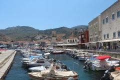Im inneren Hafen ist es für Yachten zu flach.