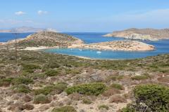 Die kleine Insel Gramvousa (rechts oben) schützt die Einfahrt vor dem Meltemi