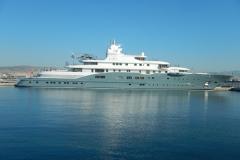 MY Radiant bereit für die Chartergäste.              Länge 110m, 44 Crew, 20 Gäste in 10 Kabinen