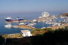 """Die Einfahrt zur """"Marina"""" mit den Stegen"""